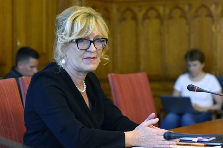 Támogatja Handó Tünde alkotmánybírói kinevezését az igazságügyi bizottság, az ellenzék keményen nekiment az OBH távozó elnökének