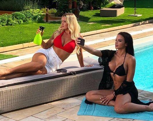 Hódi Pamela és Huszár Zsófi közös bikinis képénél már nem lesz szexibb a héten – fotó