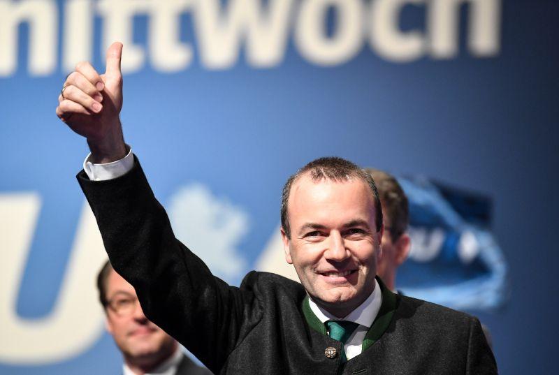 Weber: Orbán valamennyi jogát elveszíti a pártban