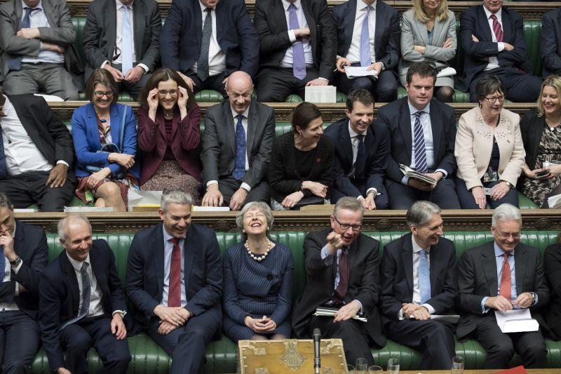 Theresa May csak rövid halasztásért fog könyörögni Brüsszelben