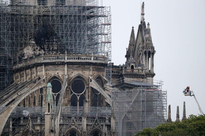 Ezt még ki tudták menteni a Notre-dame-ból