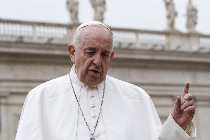 Ferenc pápa szerint a munkanélküliség világméretű tragédia