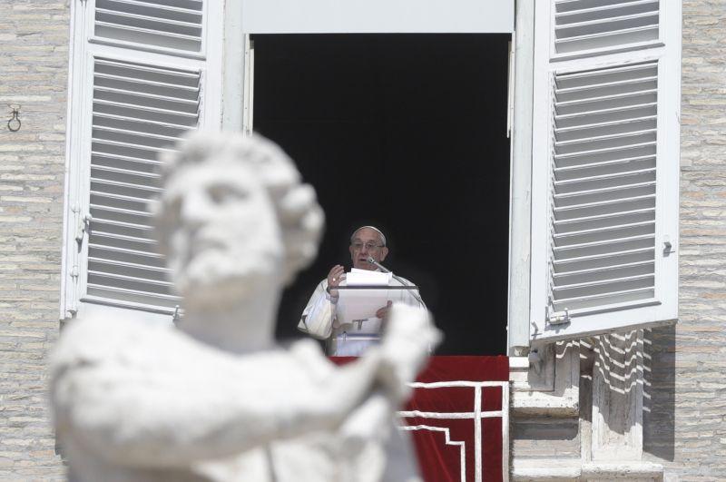 Ezt üzente Ferenc pápa a Twitteren a munka ünnepén