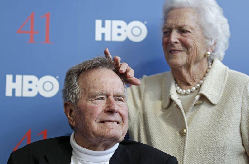 George H. Bush volt amerikai elnököt intenzív osztályon ápolják, túl van az életveszélyen