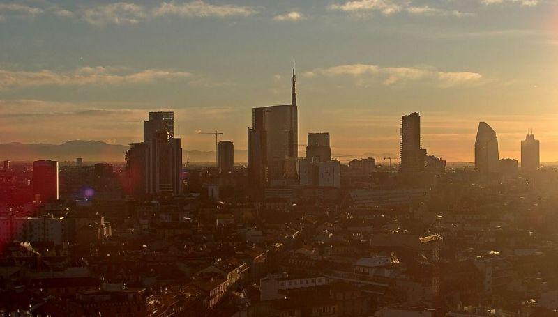"""Ma este piros-fehér-zöldbe """"öltözik"""" Olaszország legmagasabb felhőkarcolója"""