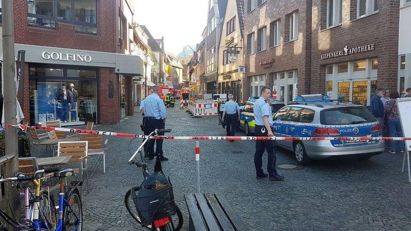 Gyanús tárgyat találtak a Münsterben tömegbe hajtó kisteherautóban