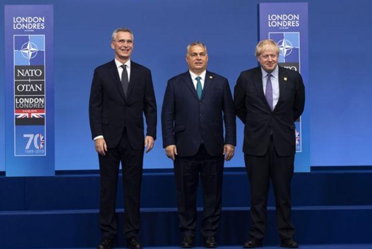 Orbán: a NATO végre kimondta, hogy a tömeges migráció biztonsági kihívást jelent