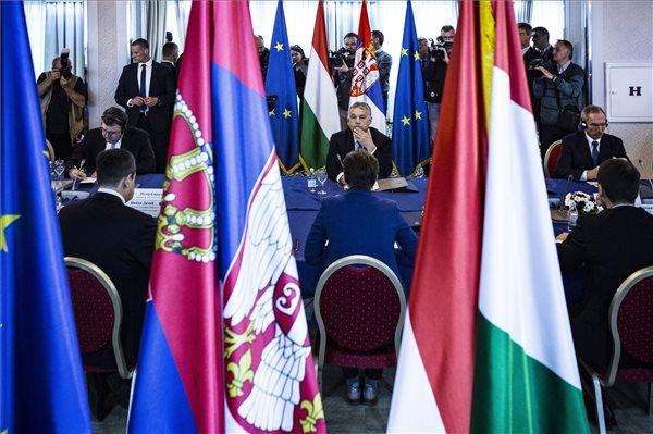 Palkovics László: erősíteni kell a szerbiai felsőoktatási kapcsolatokat