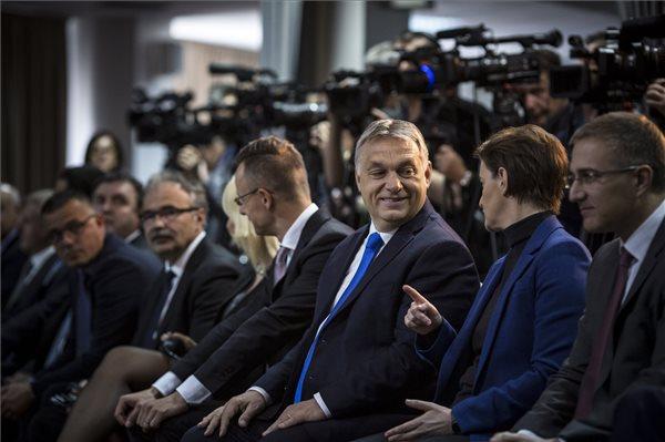 Orbán: ma már többen jönnek vissza Magyarországra, mint amennyien elmentek külföldre