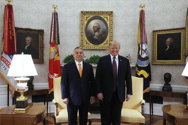 Trump azt mondta Orbánnak, hogy úgy érzi, mintha ikrek volnának