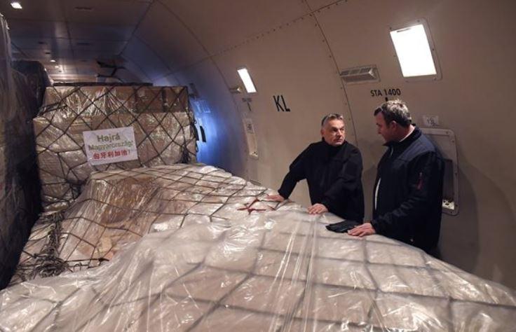 Lélegeztetőgép, teszt, védőruha és több mint 3 millió maszk is érkezett Kínából