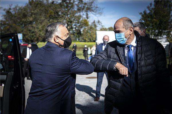 Orbán: Amikor egy nép úgy dönt, hogy összeköti magát egy másik országgal, ahhoz kell némi bizalom