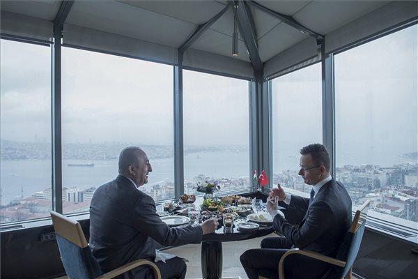 Szijjártó: a magyar és a török politikai vezetők őszintén beszélnek egymással