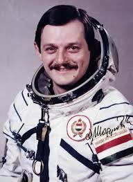 Meghalt az űrhajós, aki Farkas Bertalan helyett ment volna az űrbe