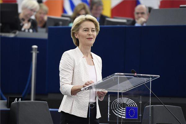 """Üzent Von der Leyen: """"aki Európát meg akarja fosztani az értékeitől, az ellen nagyon keményen fogok harcolni"""""""