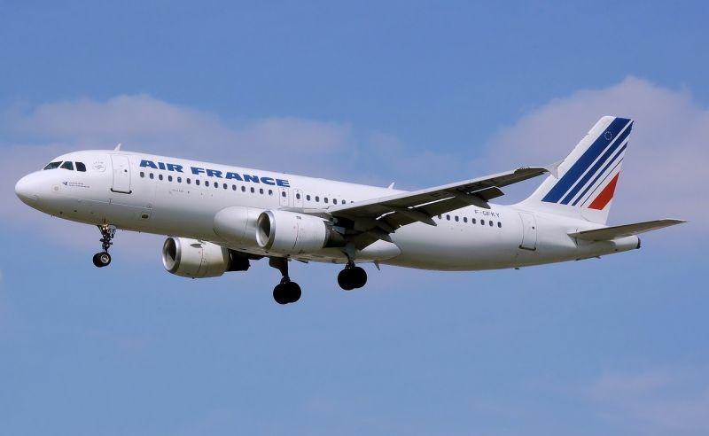 Kedden ismét sztrájkolnak az Air France dolgozói, a járatok 70 százaléka közlekedik