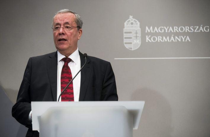 Bakondi: Magyarország legfontosabb feladata jelenleg a Stop Soros törvénycsomag és az ehhez szükséges alkotmánymódosítás elfogadása