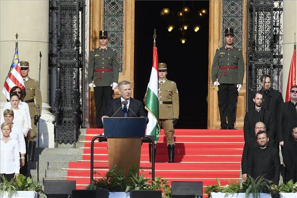 Benkő: a béke megőrzésére erős honvédségre van szükség