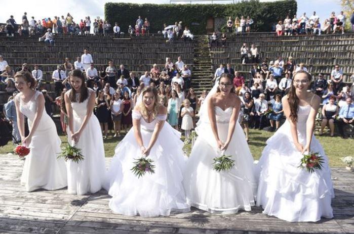 """Novák Katalin szerint """"Magyarországon a házasságkötés reneszánszát éli"""""""