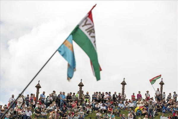 Ezrek zarándokoltak a kontumáci Nagyboldogasszony-kápolnához – fotó