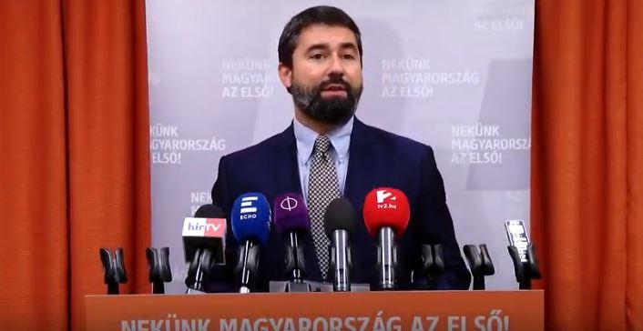 """Így reagált a Fidesz arra, hogy Weber szerint """"Magyarország rossz irányba tart"""" – videó"""