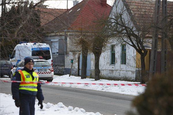 Családi mészárlás Káptalanfán – továbbra is életveszélyben van két sérült, köztük egy 3 éves kislány