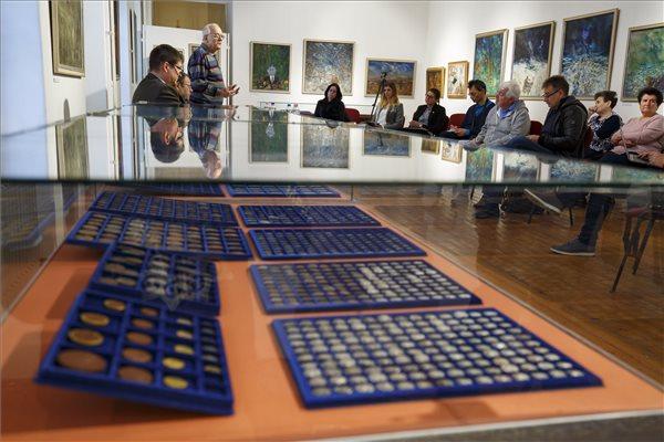 Befőttesüvegekben elásott páratlan műkincsgyűjteményre bukkantak Keszthelyen – fotó
