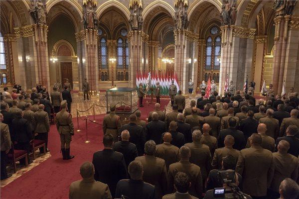 Korom Ferenc átvette vezérkari főnöki kinevezését