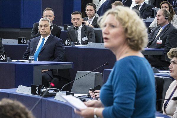 Publicus: A magyarok többsége megszavazta volna a Sargentini-jelentést