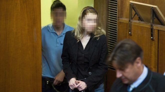 Idő előtt szabadulhat Eva Rezešová – a milliomosnő részegen karambolozott, és négy ember halálát okozta az M3-son