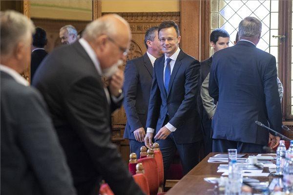 """""""Bővül a külügyi és külgazdasági tárca feladatköre"""" – még nagyobb területért fog felelni Szijjártó Péter"""