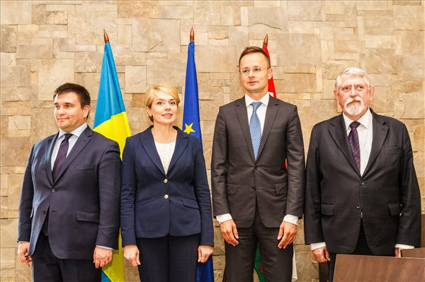 Szijjártó: a kárpátaljai magyar nemzeti közösséget mindig erőforrásnak tekintettük