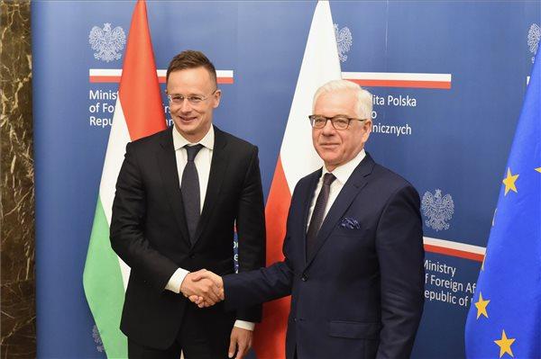 Szijjártó: Lengyelország és Magyarország erős Európát akar