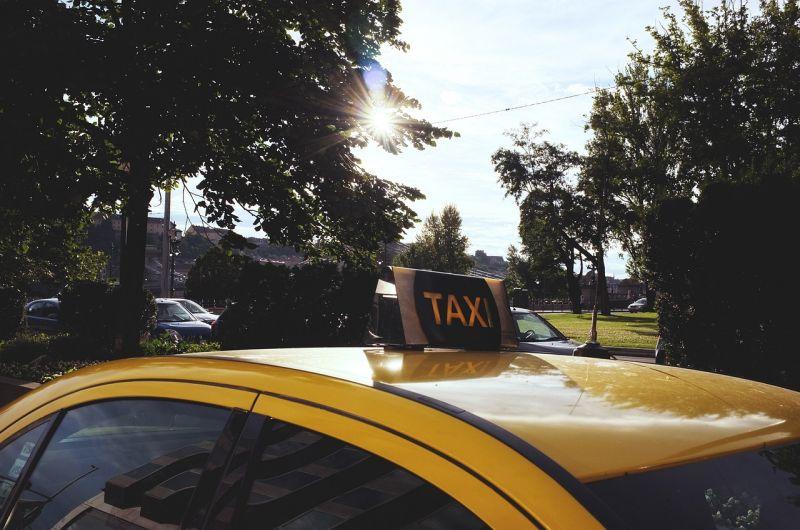 Vitézy: a taxisok tarifaemelésénél a főváros dolga lenne az utasok érdekképviselete