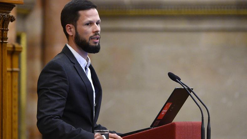 Olyan beszédet mondott ma a Parlamentben a Párbeszéd politikusa, mint még soha senki és ezzel kiakasztotta az Országgyűlés alelnökét – videó