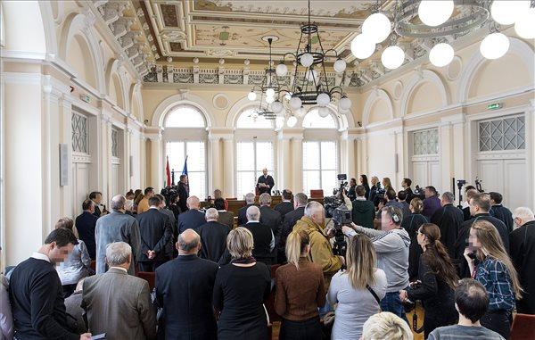 Vörösiszapper: tíz vádlottat bűnösnek mondott ki a Győri Törvényszék, letöltendő szabadságvesztésre ítélték a Mal vezetőit