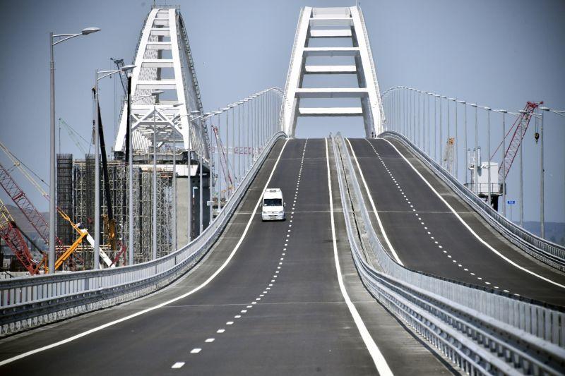 Amerikai újságíró ellen indítottak büntetőeljárást az oroszok, mert a Krím-híd felrobbantását javasolta