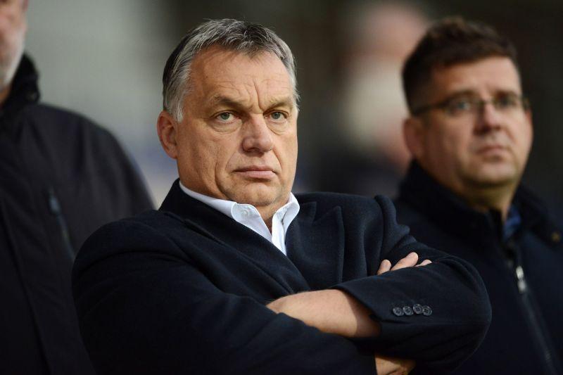 Seszták miniszter nagyot bukott, nem jött be, hogy meg akarta zsarolni Orbán Viktort