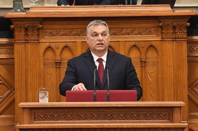 """Orbán Viktor az """"új kordivatokkal"""" riogatta a cserkészeket"""