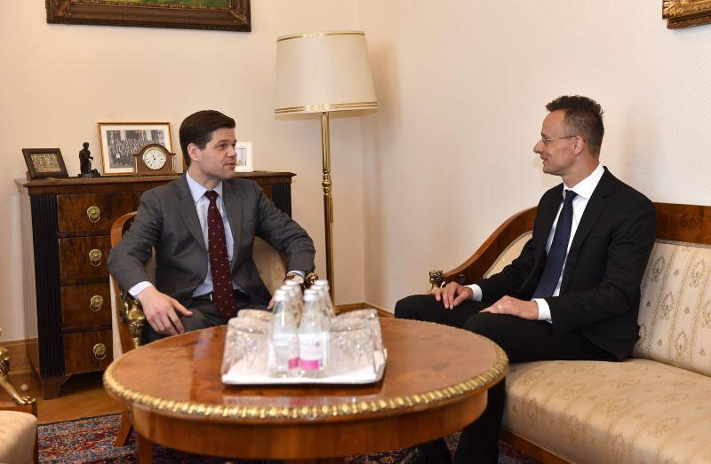 Szijjártó: Magyarország nagyra becsüli az amerikai segítséget az ukrán konfliktusban