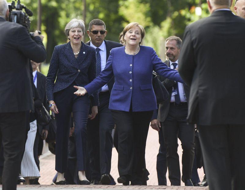 A brit, német és francia kormányfő továbbra is kitart az iráni atomegyezmény mellett, és erre szólítják fel Iránt is