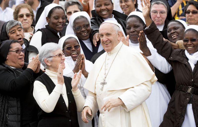 Ferenc pápa: a világnak és az embereknek is változásra van szükségük