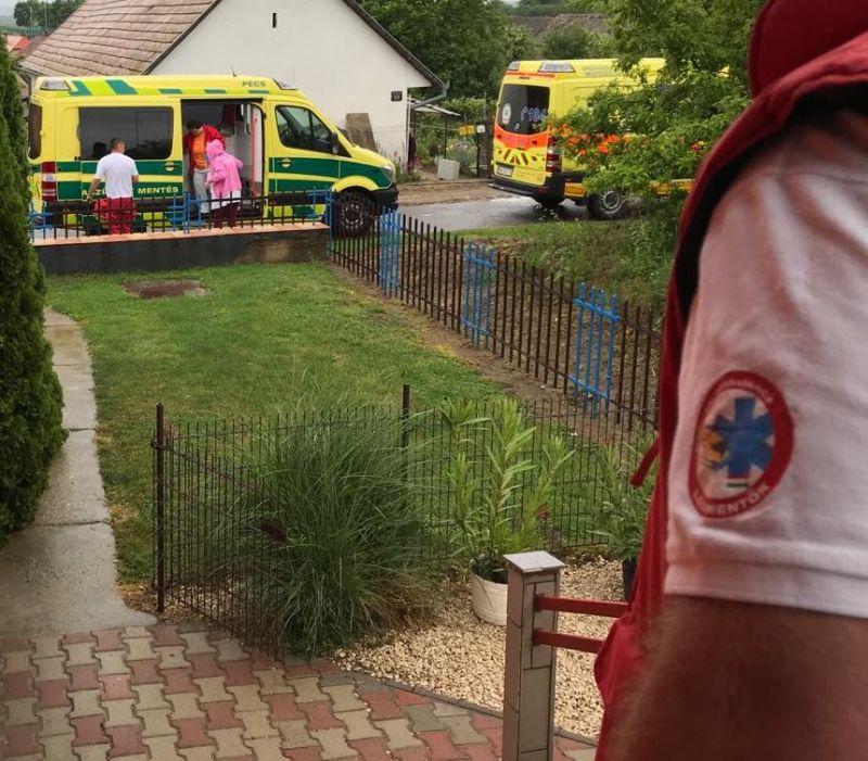 Hasi fájdalmak miatt hívta ki a mentőket – vizsgálat közben szült, a gyereket újra kellett éleszteni