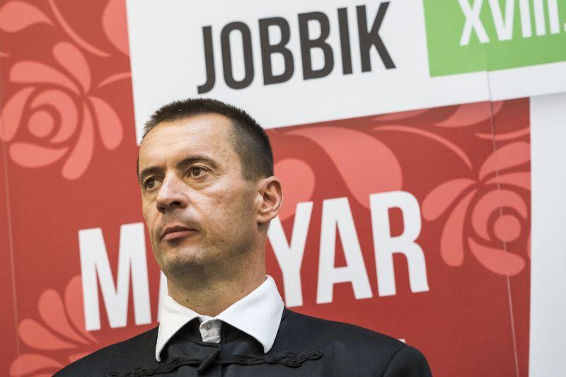 Elindult a Betyársereg elleni per Egerben, a Jobbik új elnökének két fia is vádlottak közt van