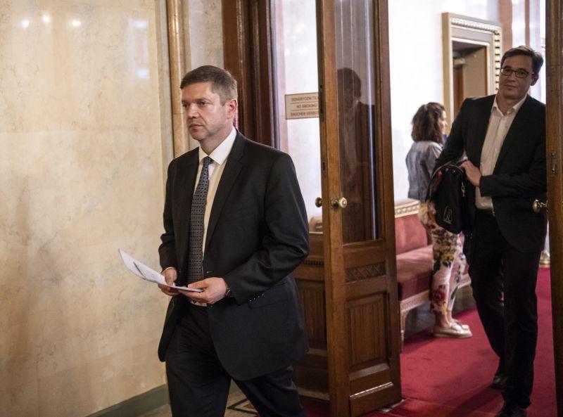Fegyelmi eljárást indít Molnár Gyula ellen az MSZP