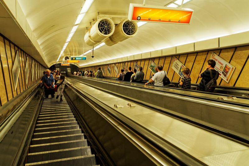 Három tizenéves fiú karácsonykor bement a metróalagútba – vádemelés lesz a vége