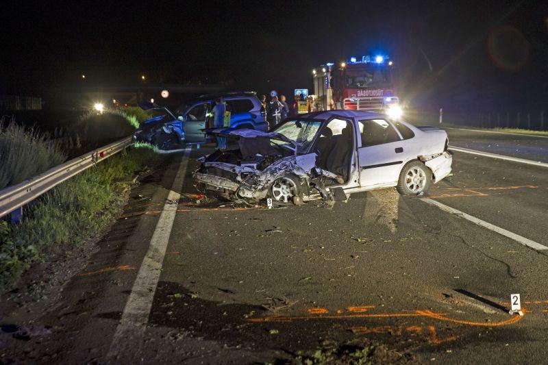 Horrorisztikus roncsok: megérkeztek a fotók a bagi halálos balesetről