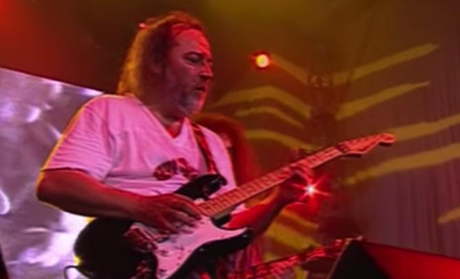 Szíve miatt került kórházba az Omega gitárosa