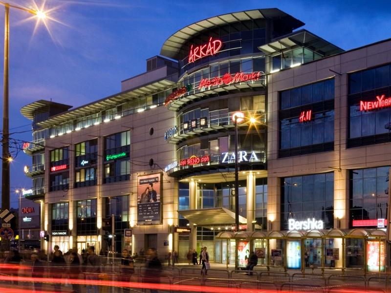 Elfogták a budapesti Árkád üzletközpont felrobbantásával fenyegetőző férfit