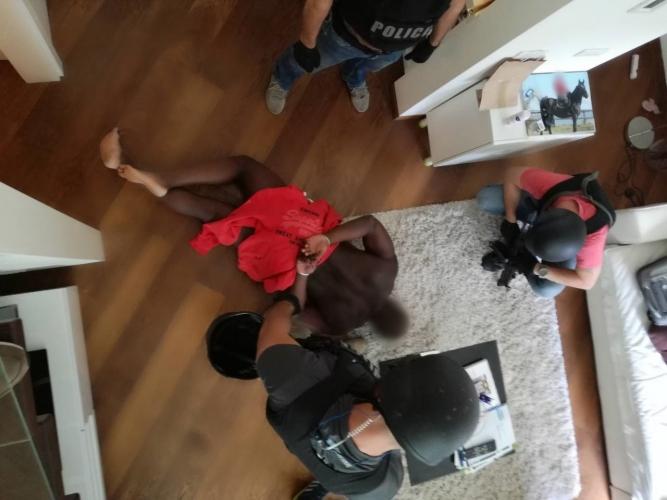 Ritkán mutat meg ilyen elfogási videót a magyar rendőrség